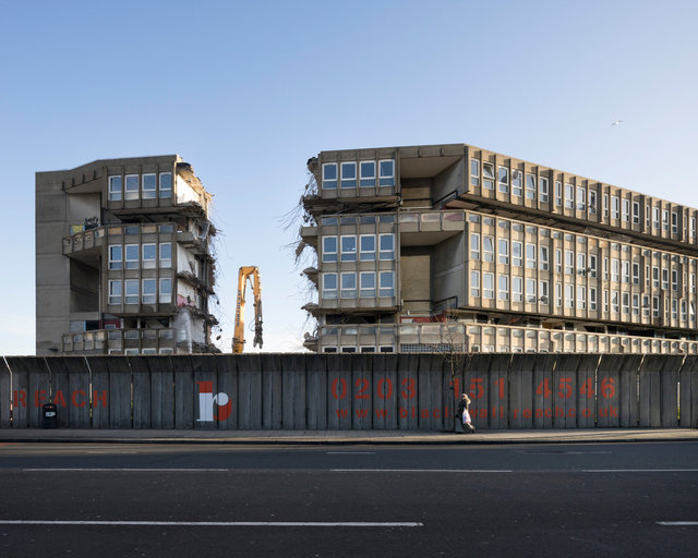 Demolition of Robin Hood Gardens. The Smithsons
