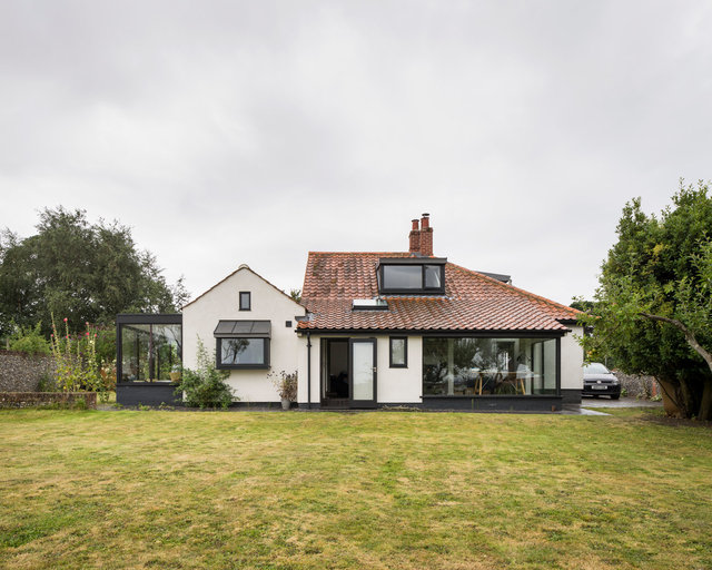 House. Walberswick. Powell and Moya / Adams and Sutherland Architects
