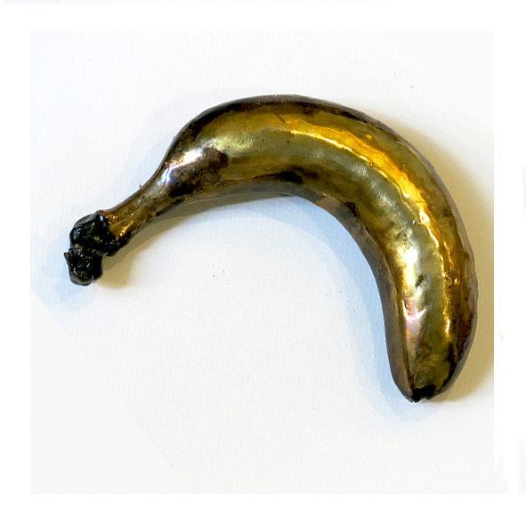 banana button.jpg