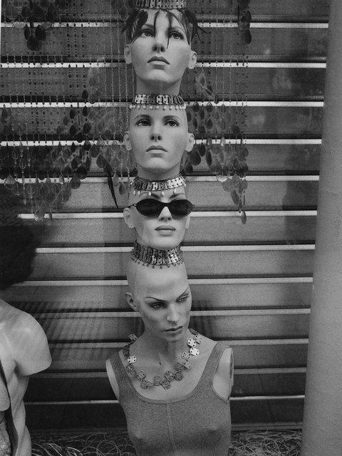 Heads Mannequin France.jpg
