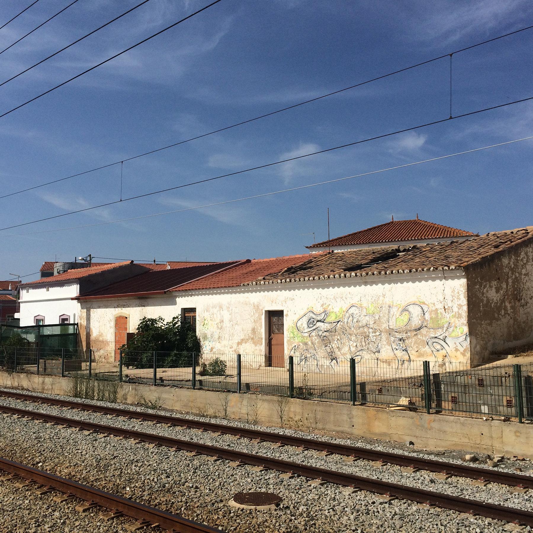 Leaving Faro