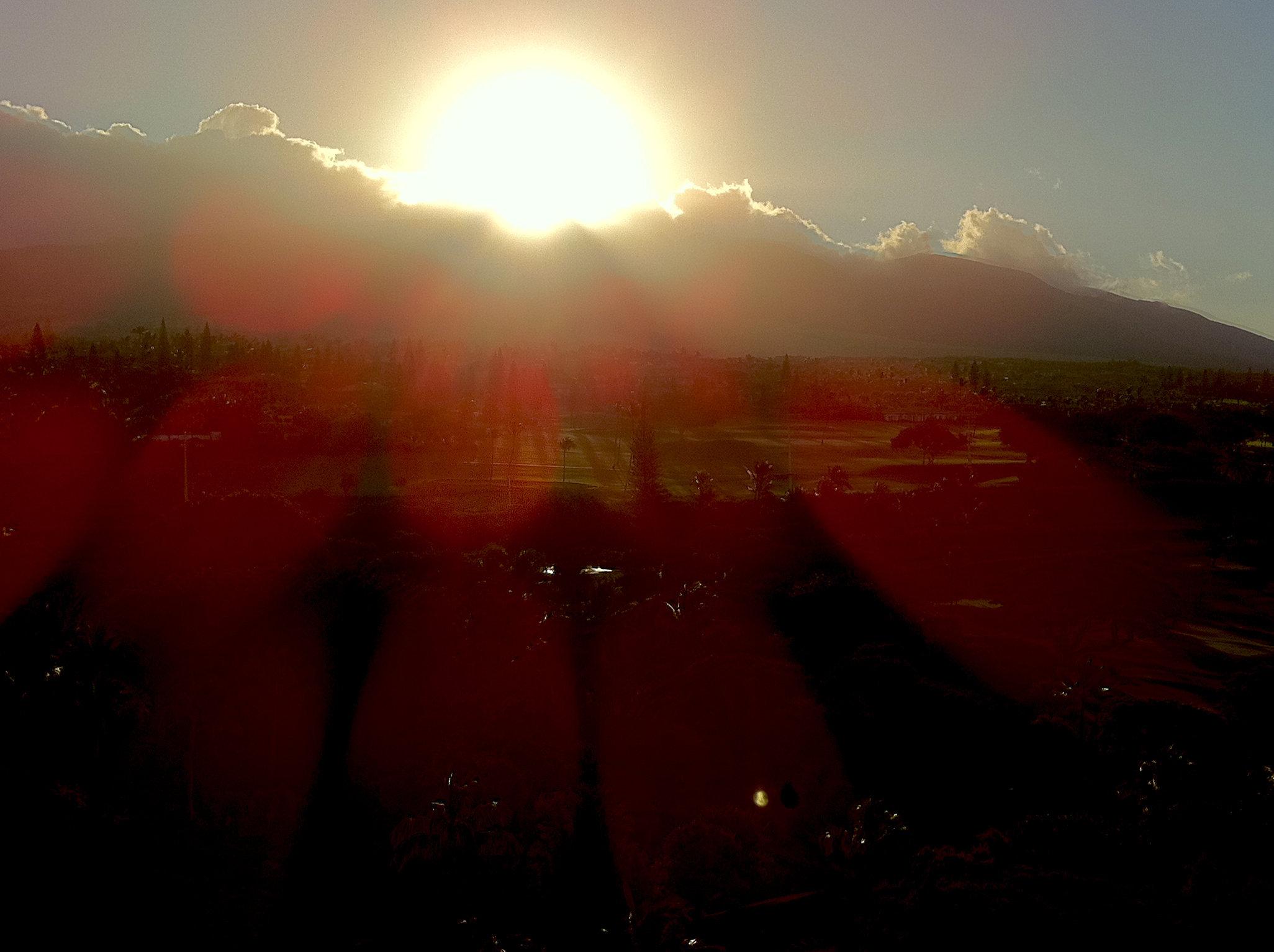 © CORDAY - West Maui Daybreak