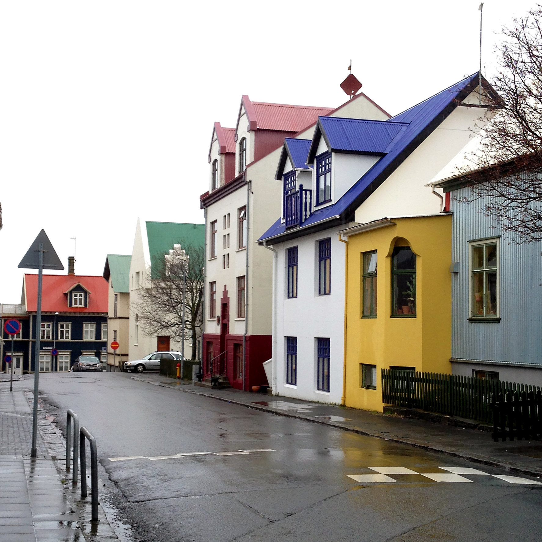 © CORDAY - Iceland, No. 12 - Yellow House