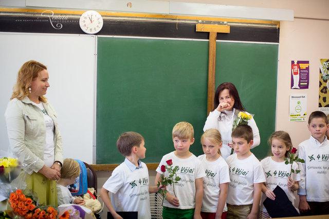 015_4vejai_Lik sveika mokykla2014_web.JPG