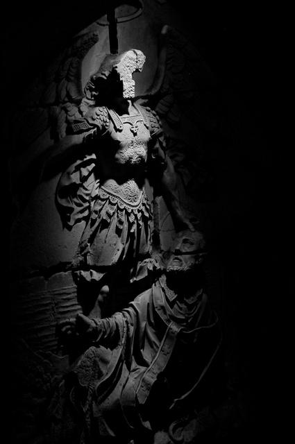 """Le songe de Saint-Aubert"" bas-relief en pierre"