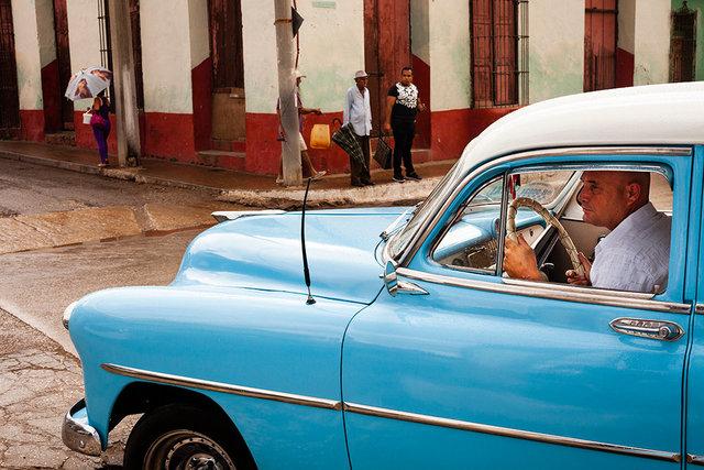 ©Tobi Asmoucha_Trinidad Taxi.jpg
