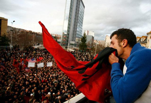 78302396CK033_Kosovo_Status.jpg
