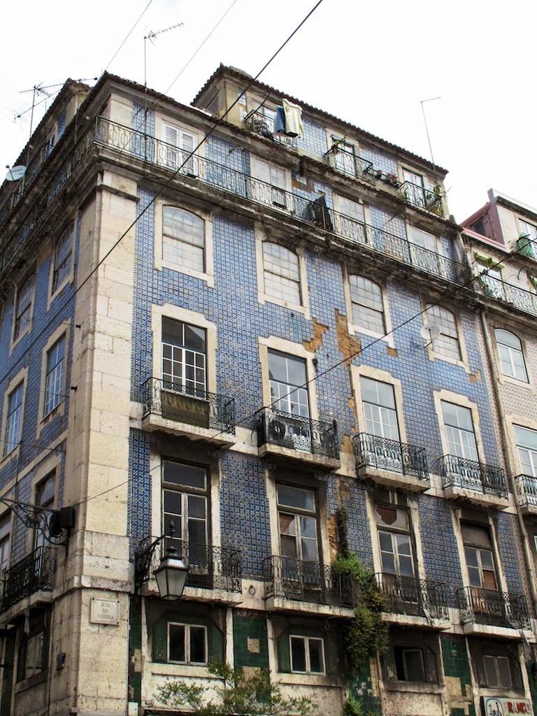 Fachada Rua da Vitória