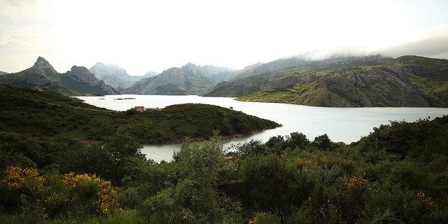 riaño lake 1