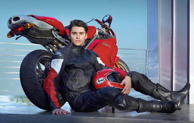03_Ducati_Red_Logo_13670_VB.jpg