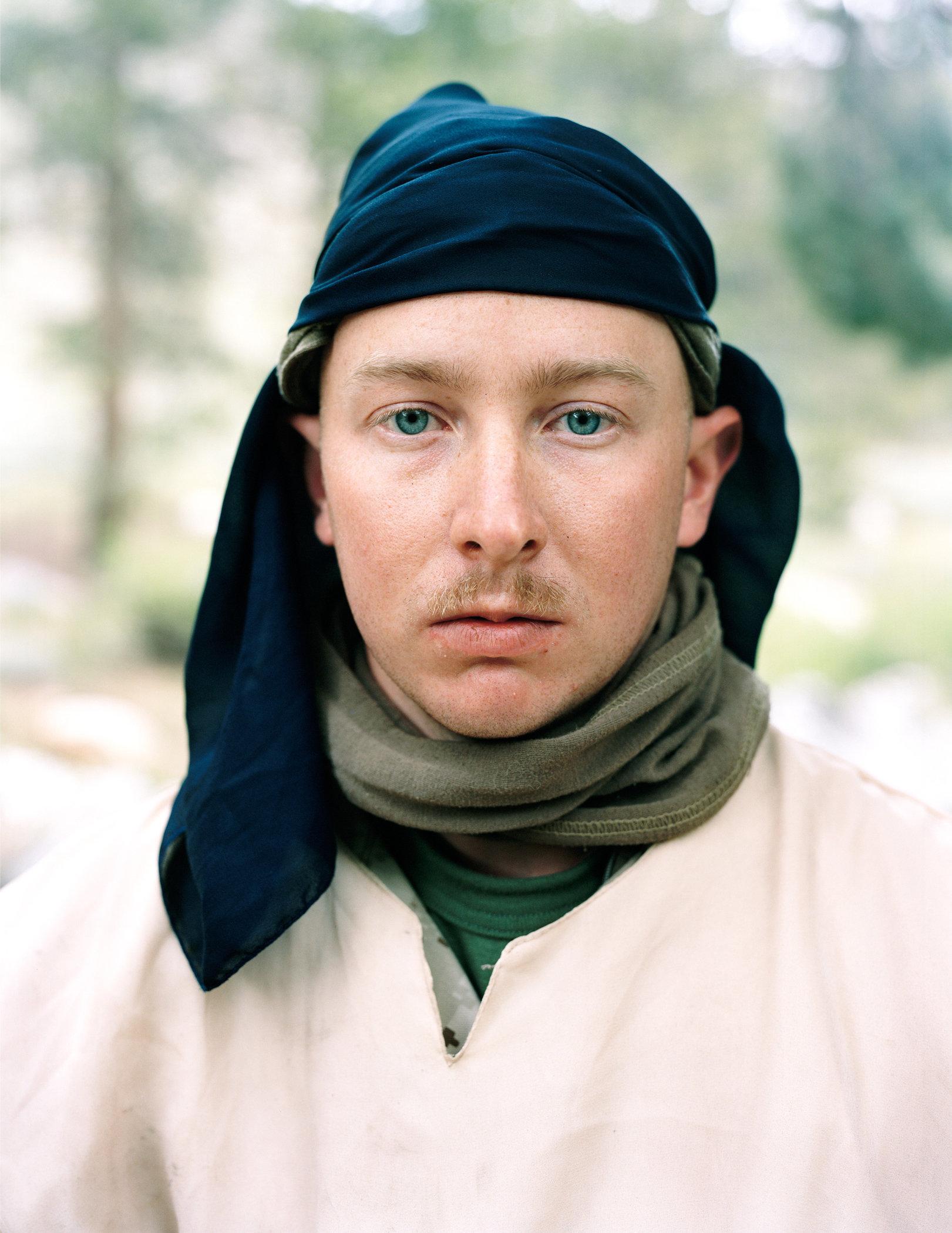 20_Beckett_Marine_jihadi2_Black_scarf.jpg