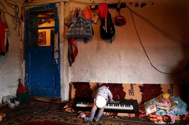 78412513CK015_Kosovo_s_Roma.jpg