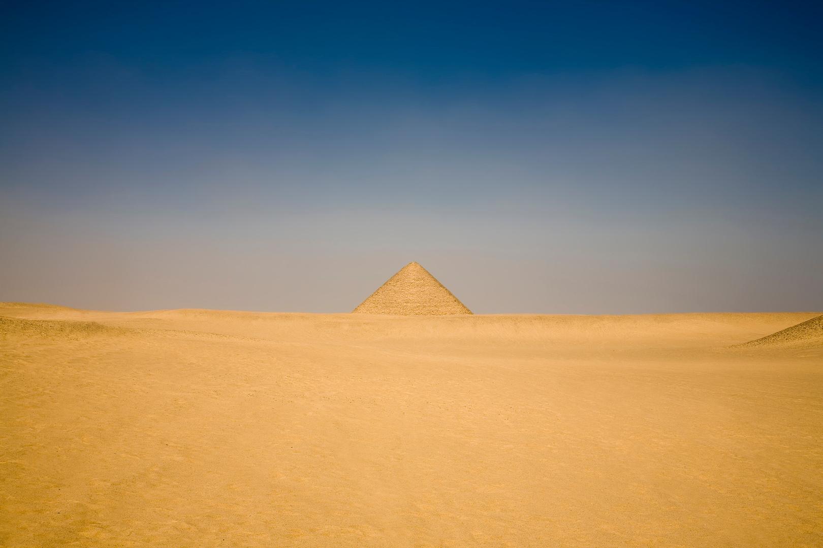 Piramide-Sahara.jpg