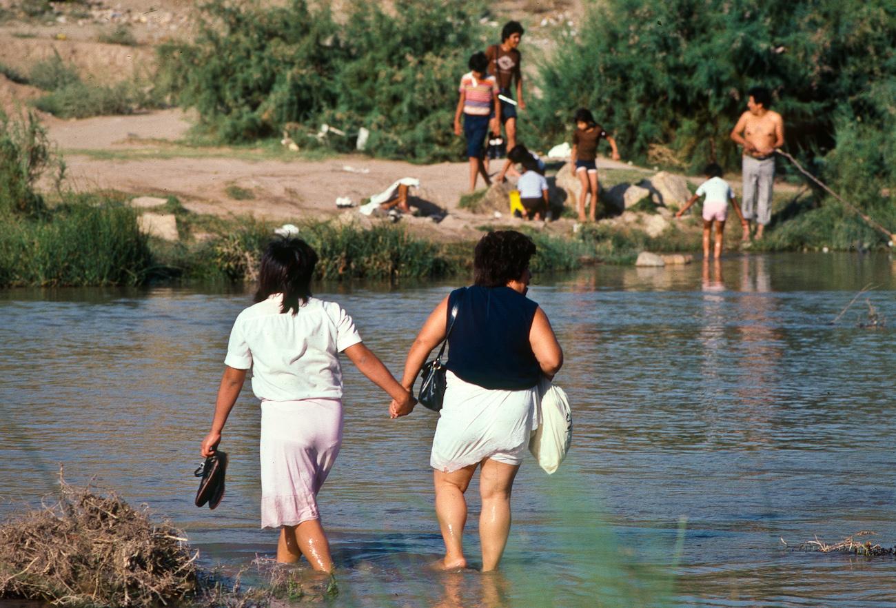 crossing rio grande2.tif.jpg