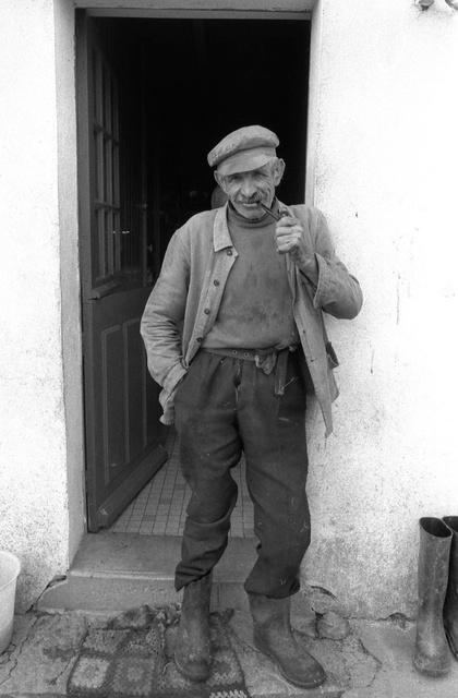 """L'avocat"", paysan de Belle-Île, Morbihan, 1980"