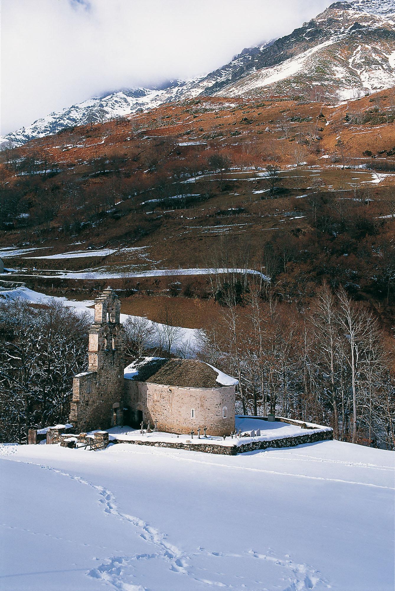 Chapelle templière d'Aragnouet, Pyrénées
