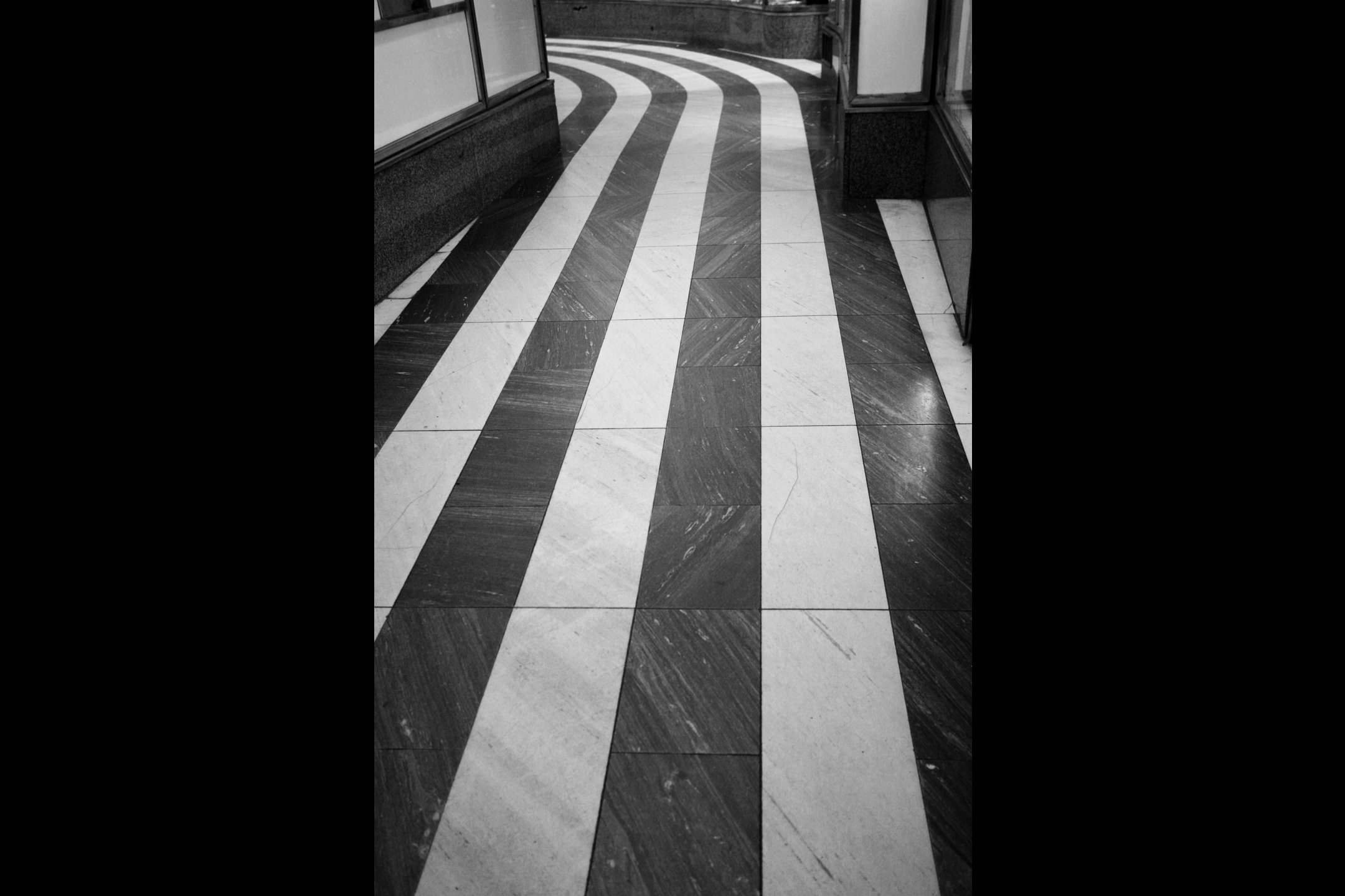 Floor_stripes1.jpg