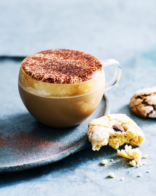 Andy-Lewis-Photography©Advertising Food photography_180406_FocusCreative_DEL8884_Delonghi_ProppedCoffeeShots123100.jpg