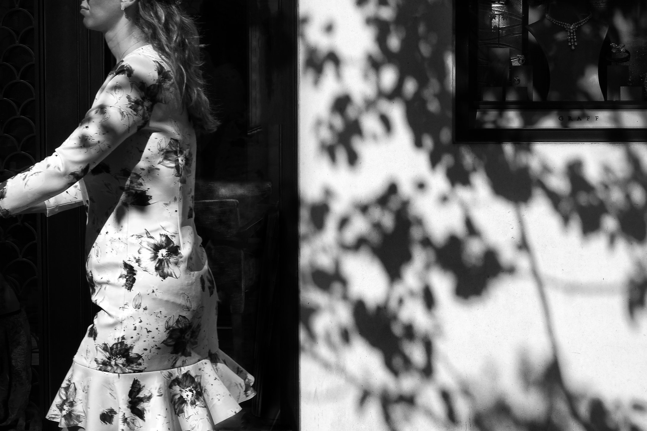dress-and-tree.jpg
