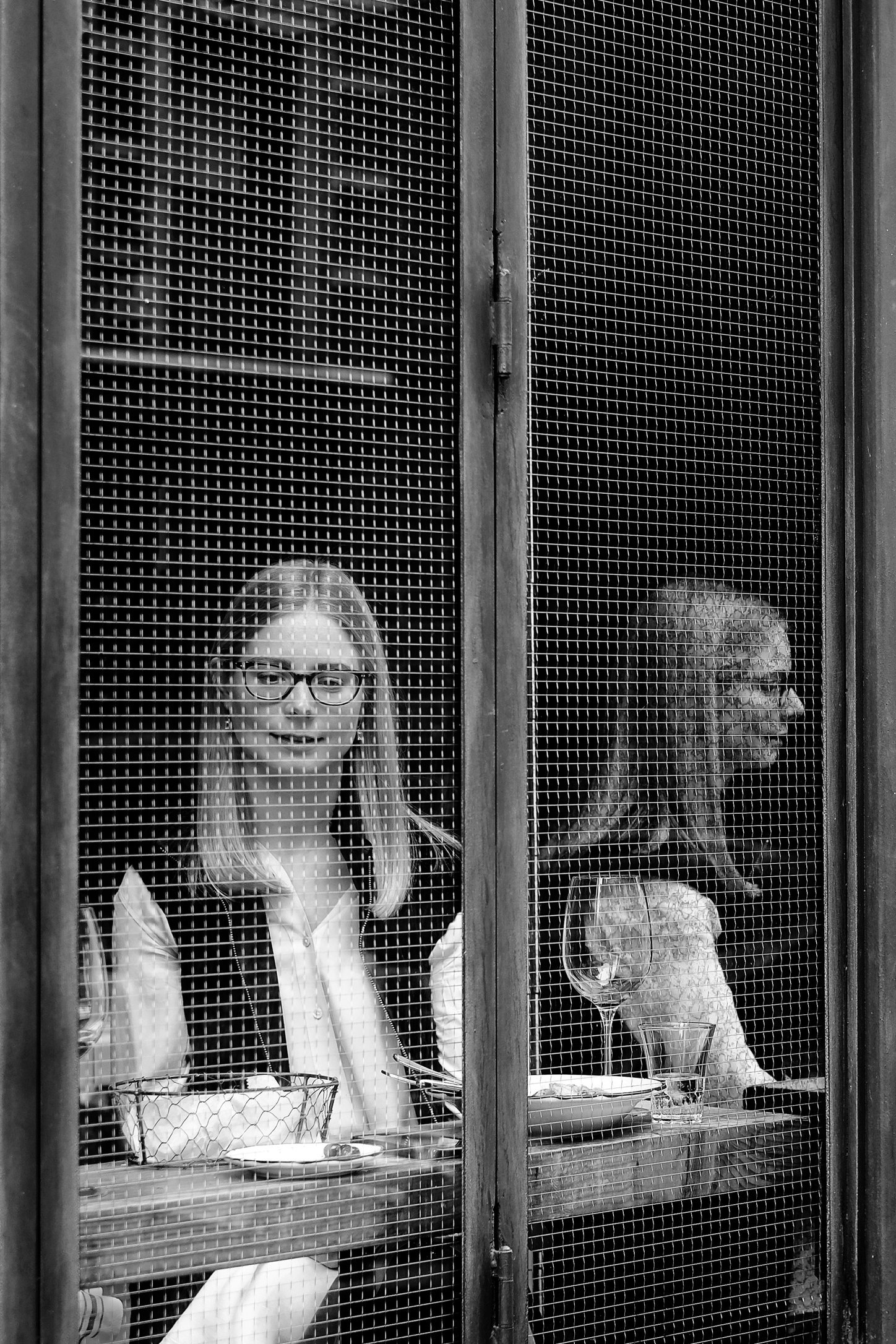 glasses-twin-woman.jpg