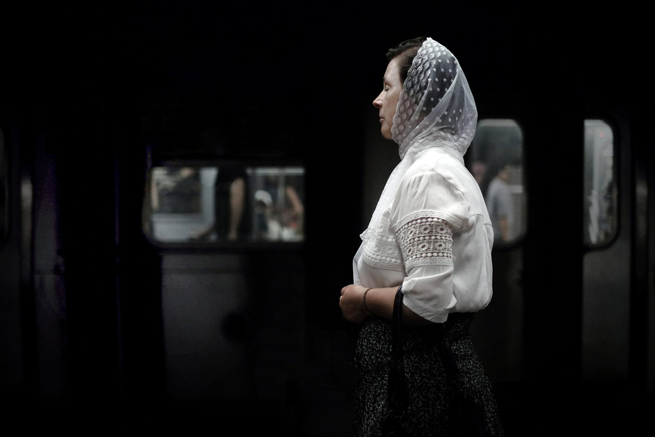 veil-lady-2.jpg