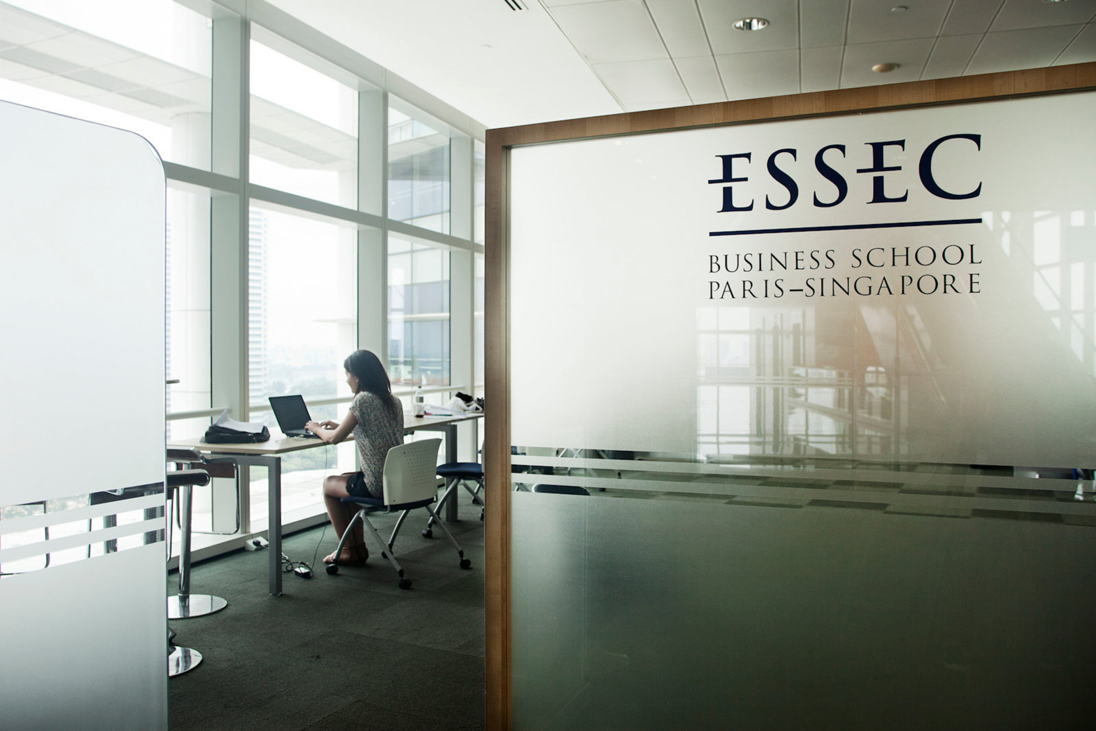 ESSEC, Singapore