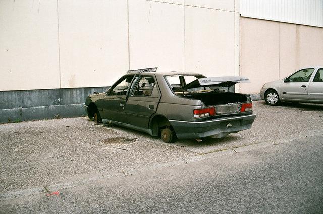 parking, Dinges-les-Bains.jpg
