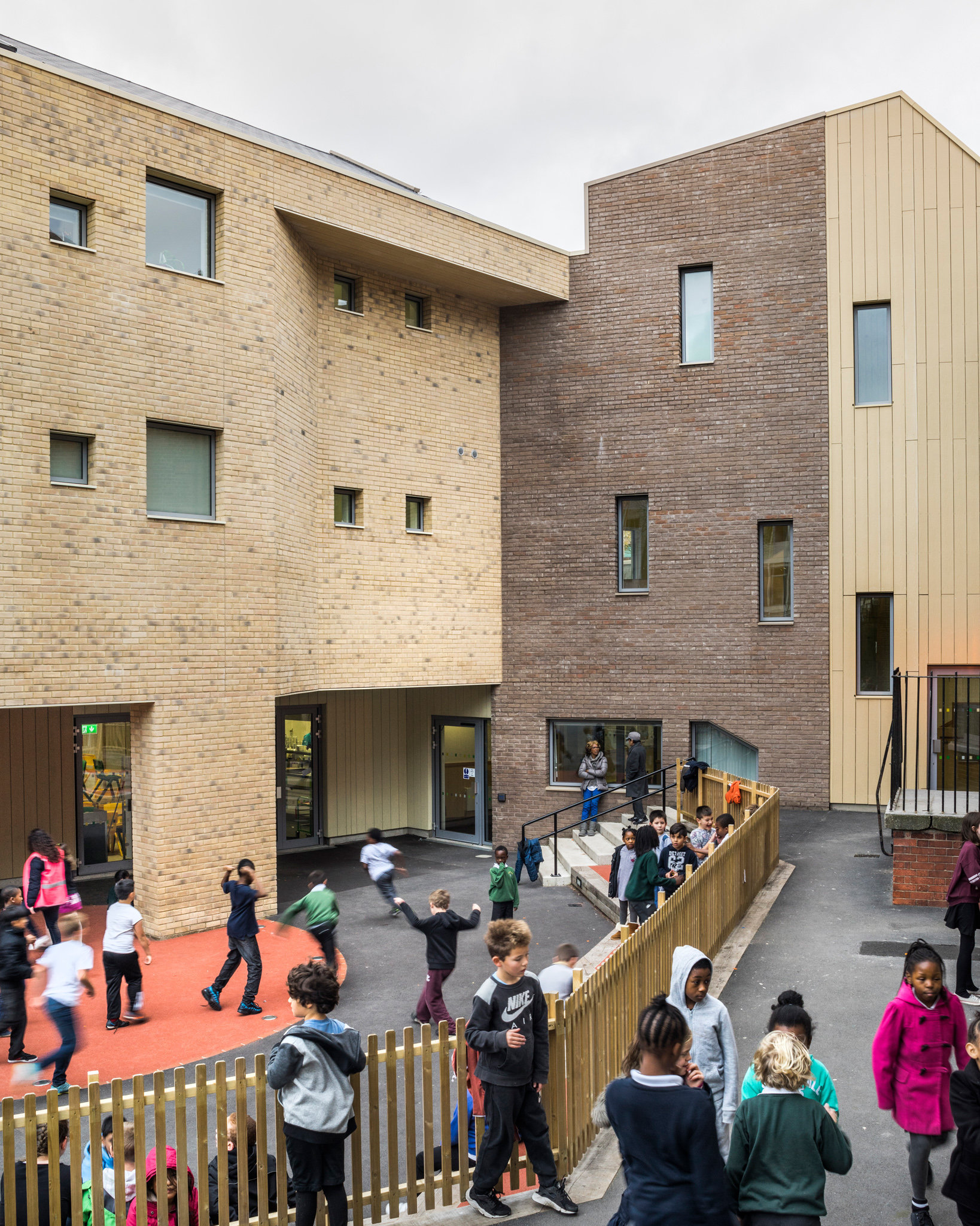 Lyndhurst School. Cottrell and Vermeulen Architects