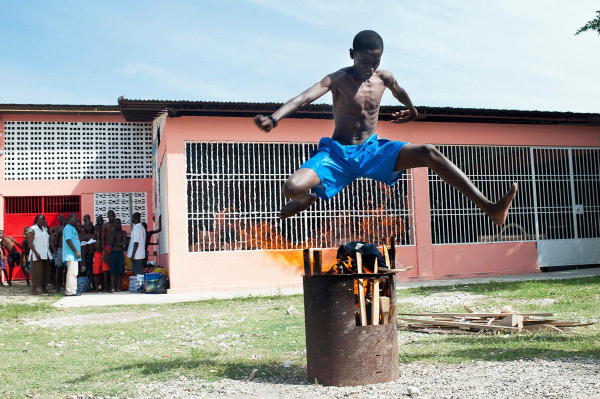 """Port Au Prince_Centro Salesiano """"Lakay-Lakou"""" per circa 200bambini di strada_Cerimonia del Fuoco_DS"""