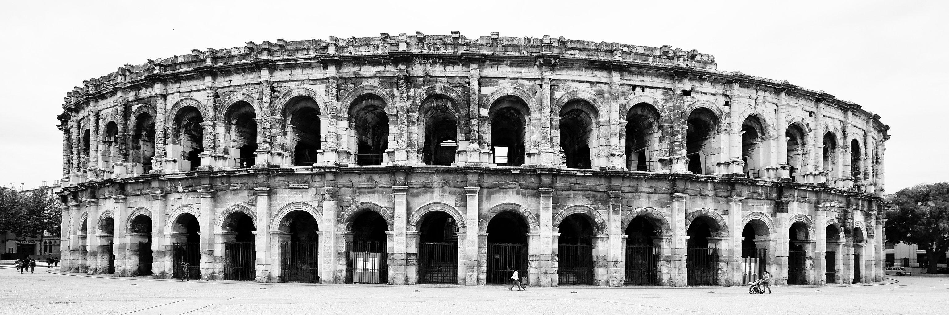 les arènes de Nîmes.jpg