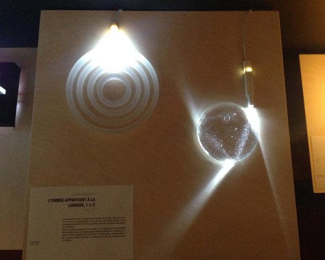 l'ombre appartient à la lumière I et II, 2013, exposition à l'ENSAD, Paris, 2016