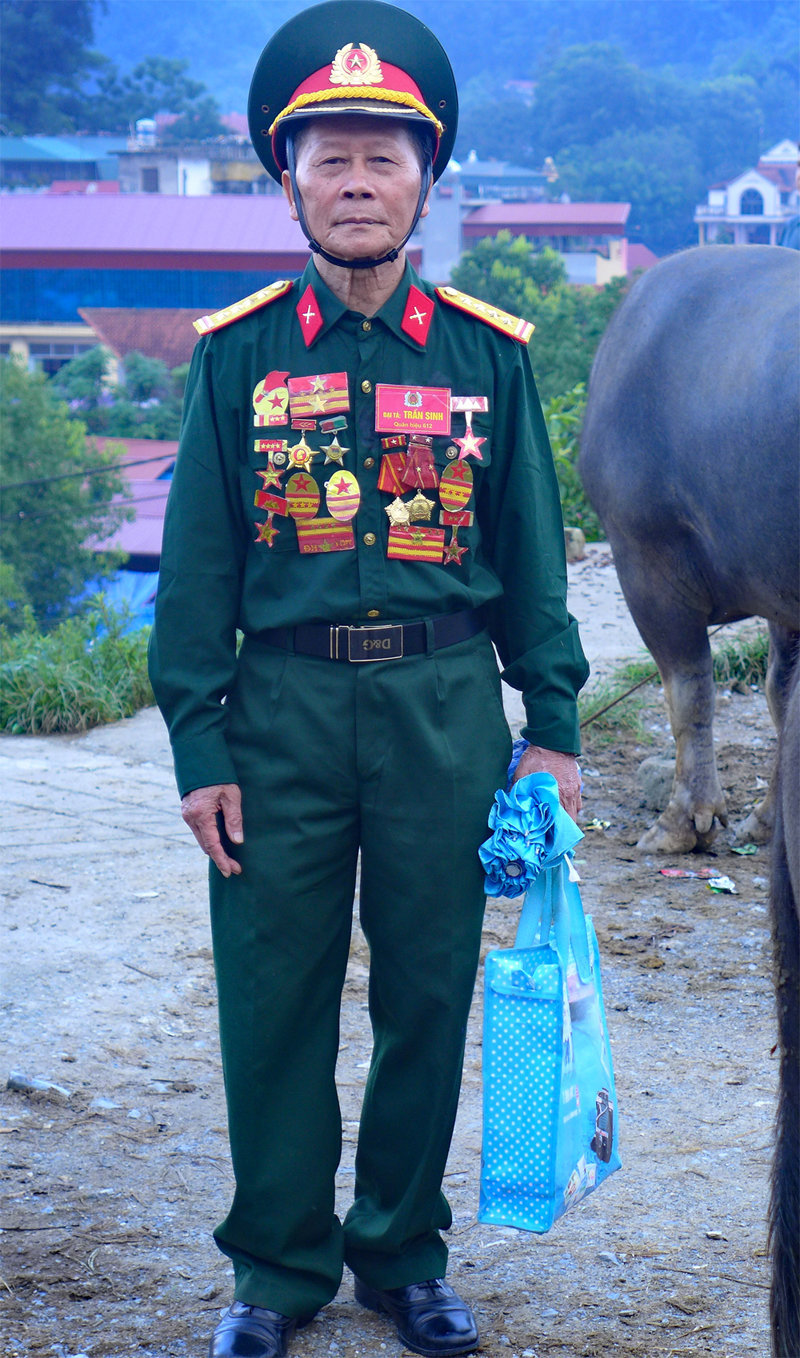 retired soldier, bac ha