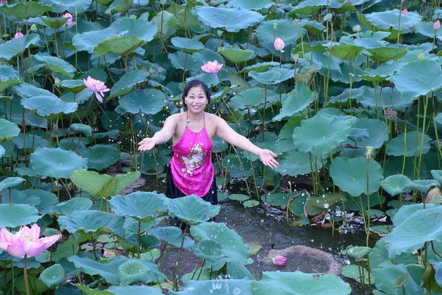 lotus girl, hanoi