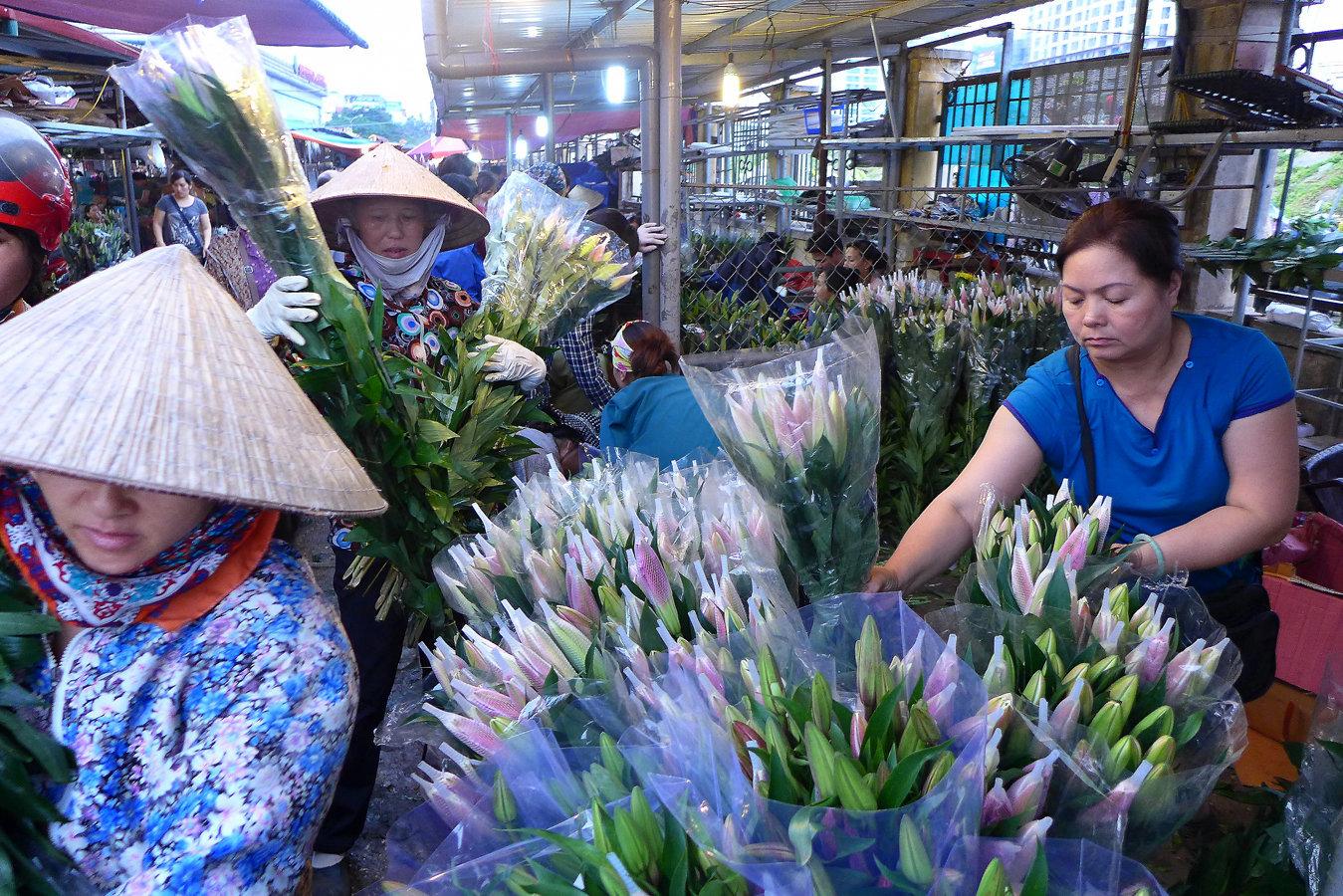 flower market, Hanoi