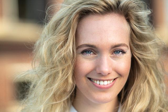 Rosanne Mostert, model