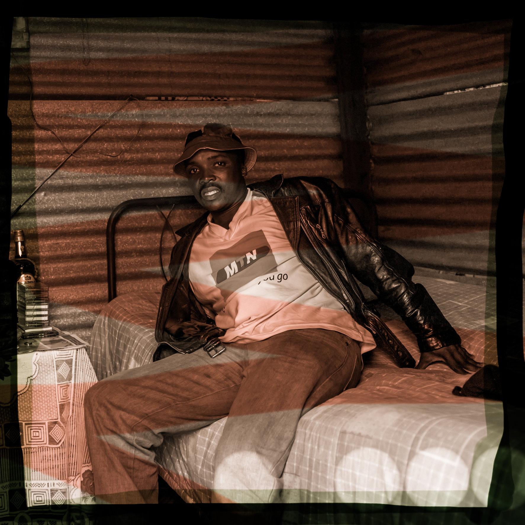 Soweto_scared_man-L1003905.jpg