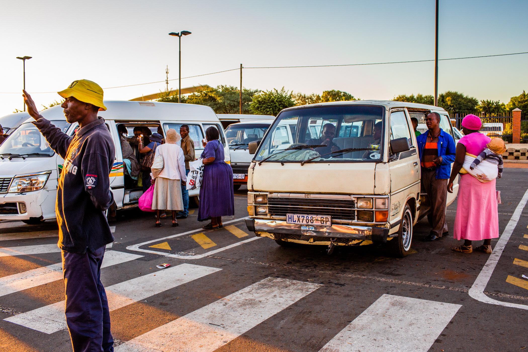 Soweto_Street_Taxis-1196.jpg