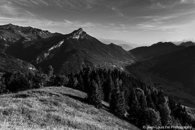 MASSIF DES BAUGES / ARCLUSAZ / FRANCE / THE ALPS