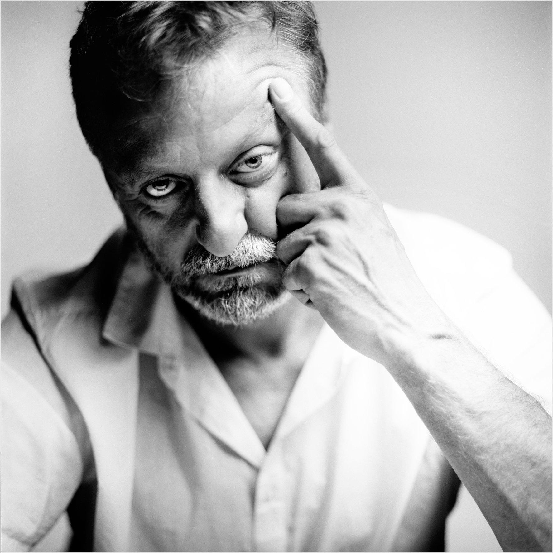 Toni de los Ángeles, Actor