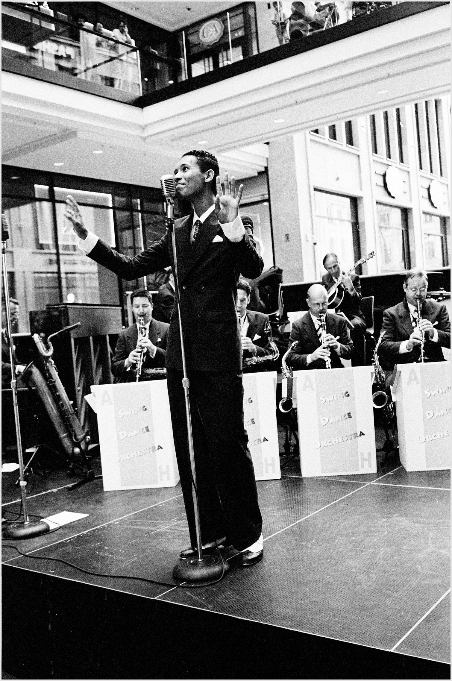 Singer in Berlin