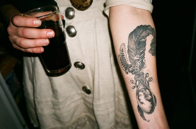 tattoo plume.jpg