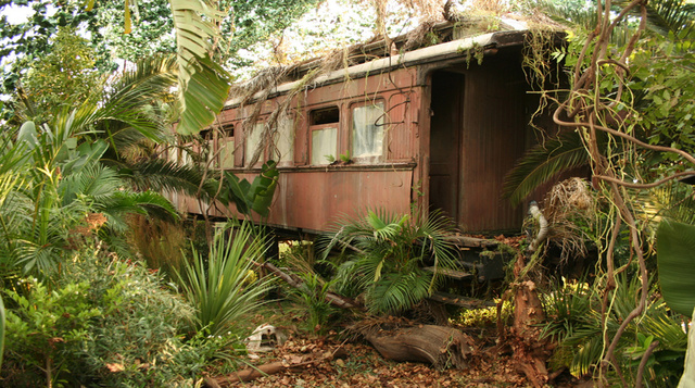 Abandoned train carriage Ext