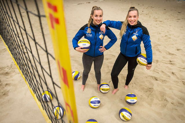 Hannah en Sarah van Esch, volleybalsters, 2018
