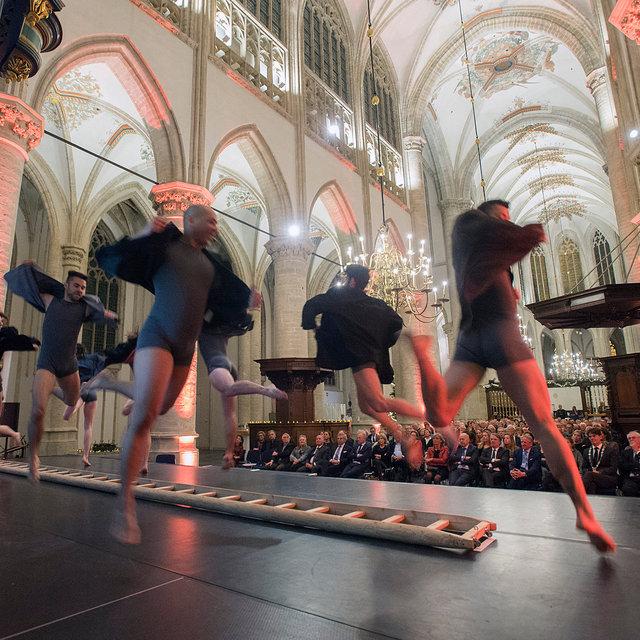 Dansgezelschap de Stilte bij afscheid directeur Grote Kerk Breda, 2019