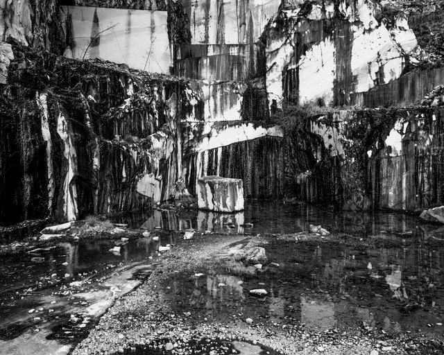 Marble Quarry, 2018, Archival Pigment Print, 135 x 107,8 cm, Ed. 2