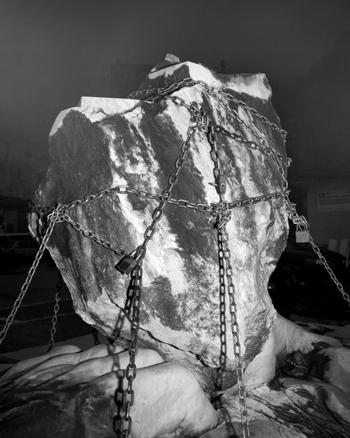 Chained Rock, 2018, Archival Pigment Print, 98 x 78,4 cm, Ed. 5 + 2AP / Also Available 135 x 107,8 cm, Ed. 3 + 2AP