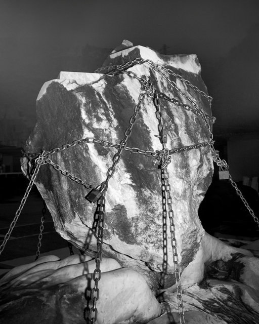 Chained Rock, 2018, Archival Pigment Print, 98 x 78,4 cm, Ed. 3