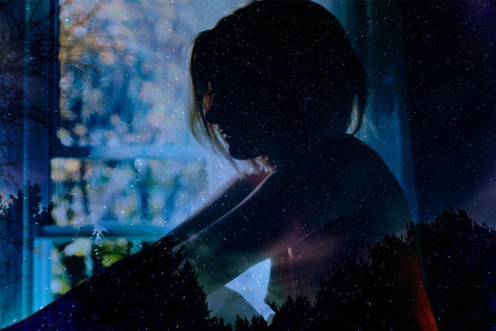 M R_UnderYourSpell_001.jpg