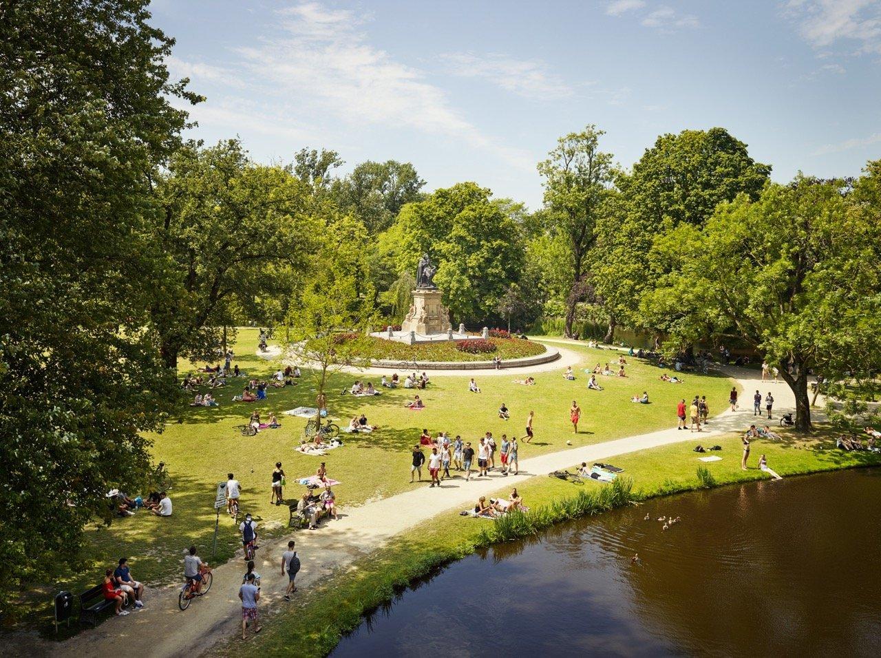 Vondelpark from the series Park © Jeroen Hofman