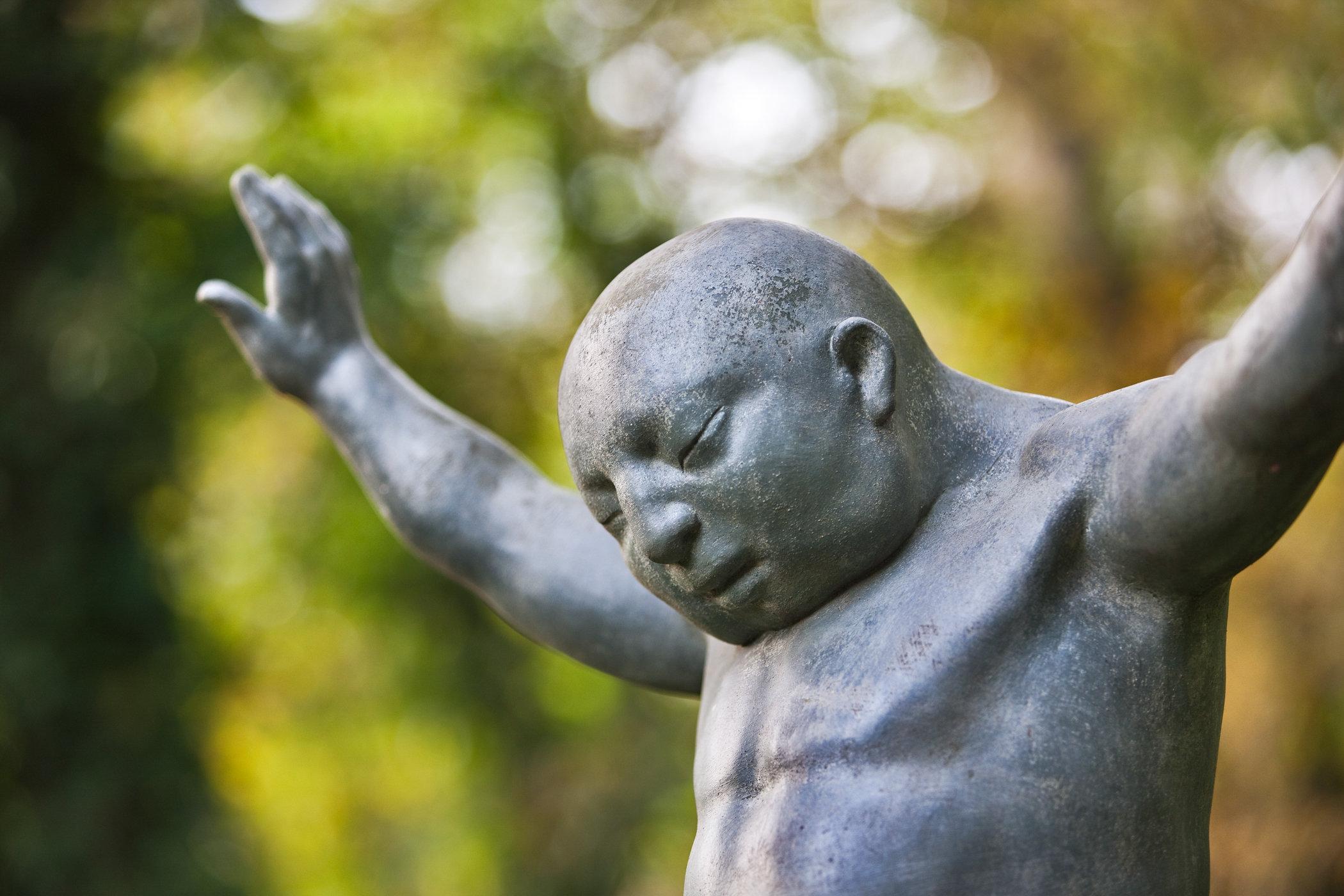 Statues of Nicolas van Ronkenstein, The Netherlands, for publication: Tussen Mythe en Werkelijkheid